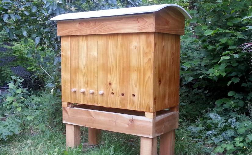 the modified golden hive bee kind hives. Black Bedroom Furniture Sets. Home Design Ideas